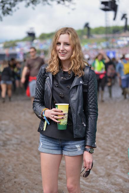 063014_Glastonbury_Music_Festival_Street_Style_slide_002