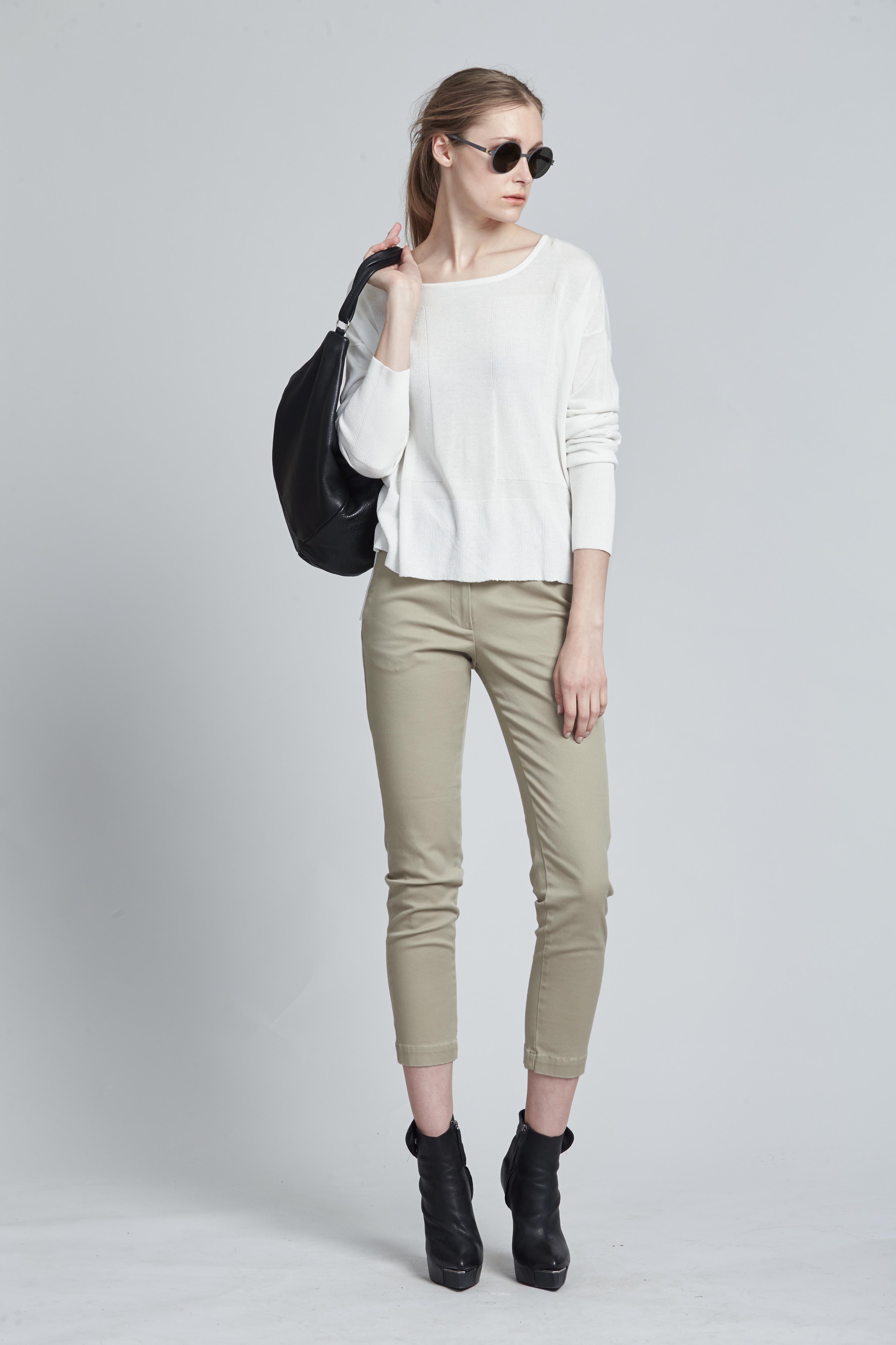 Associate Sweater Alabaster, Fixture Jean Sand, Assembly Bag 3 taylorS15-1423