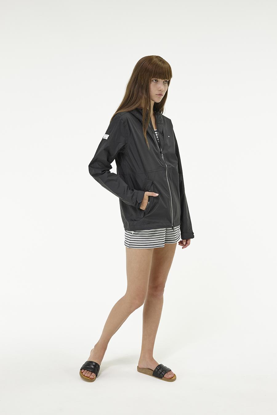 Huffer_Q3-16_W-Alpine-Jacket_Black-04