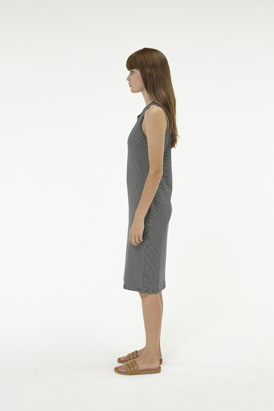 Huffer_Q3-16_W-Club-Stella-Dress_Black-02