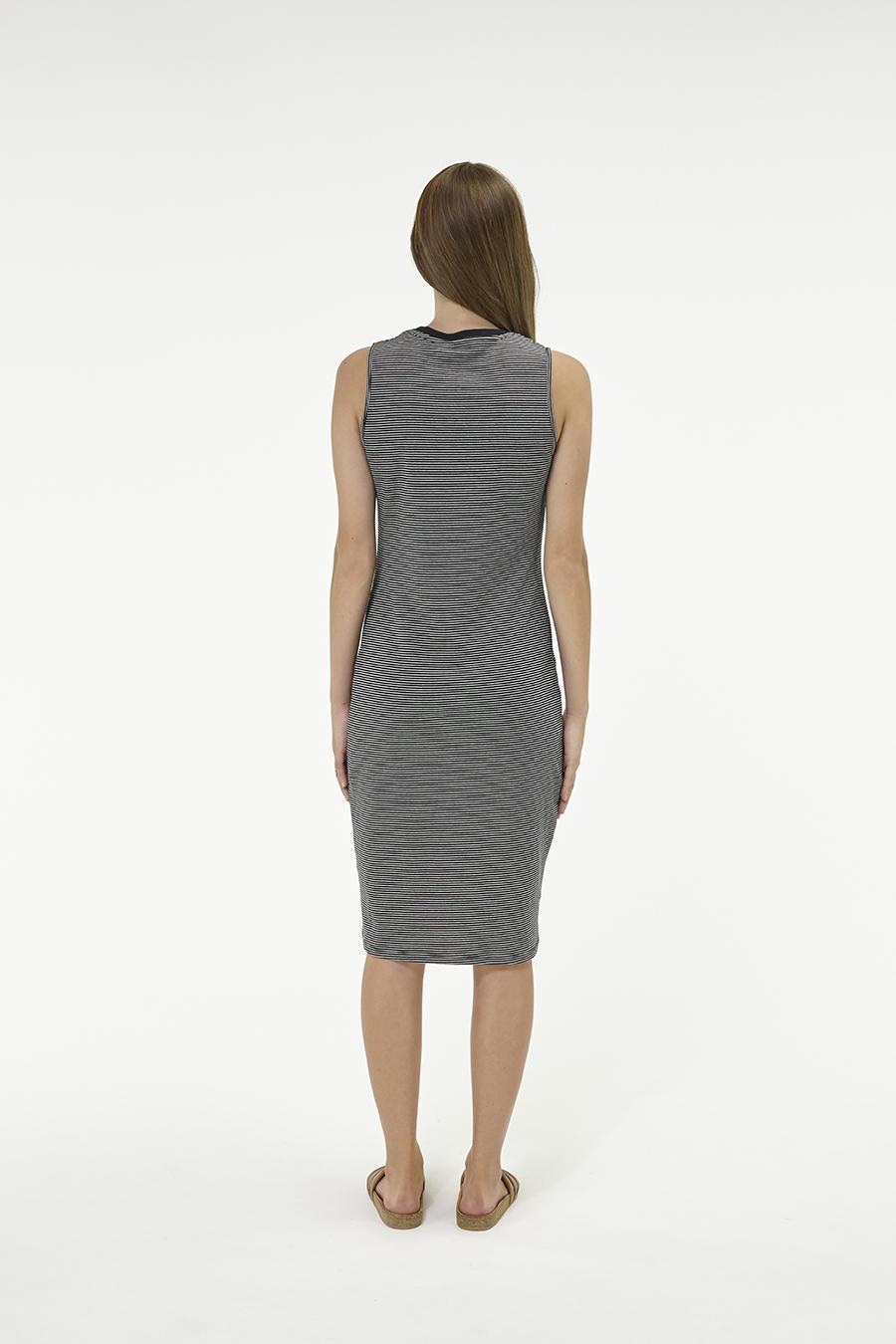 Huffer_Q3-16_W-Club-Stella-Dress_Black-03