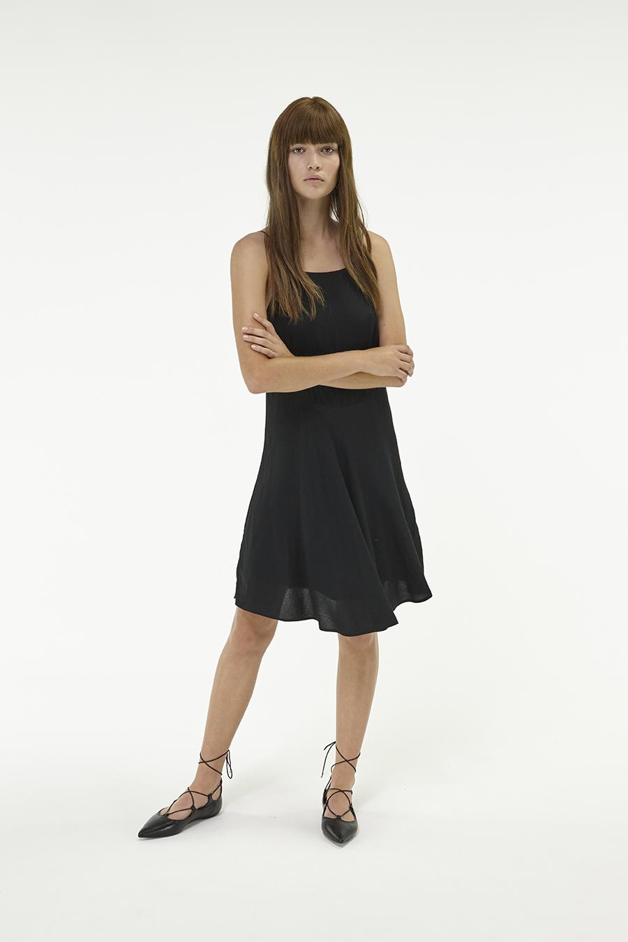 Huffer_Q3-16_W-Halle-Dress_Black-04
