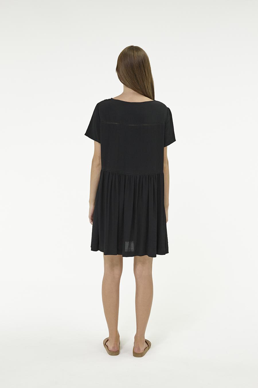 Huffer_Q3-16_W-Park-Dress_Black-03