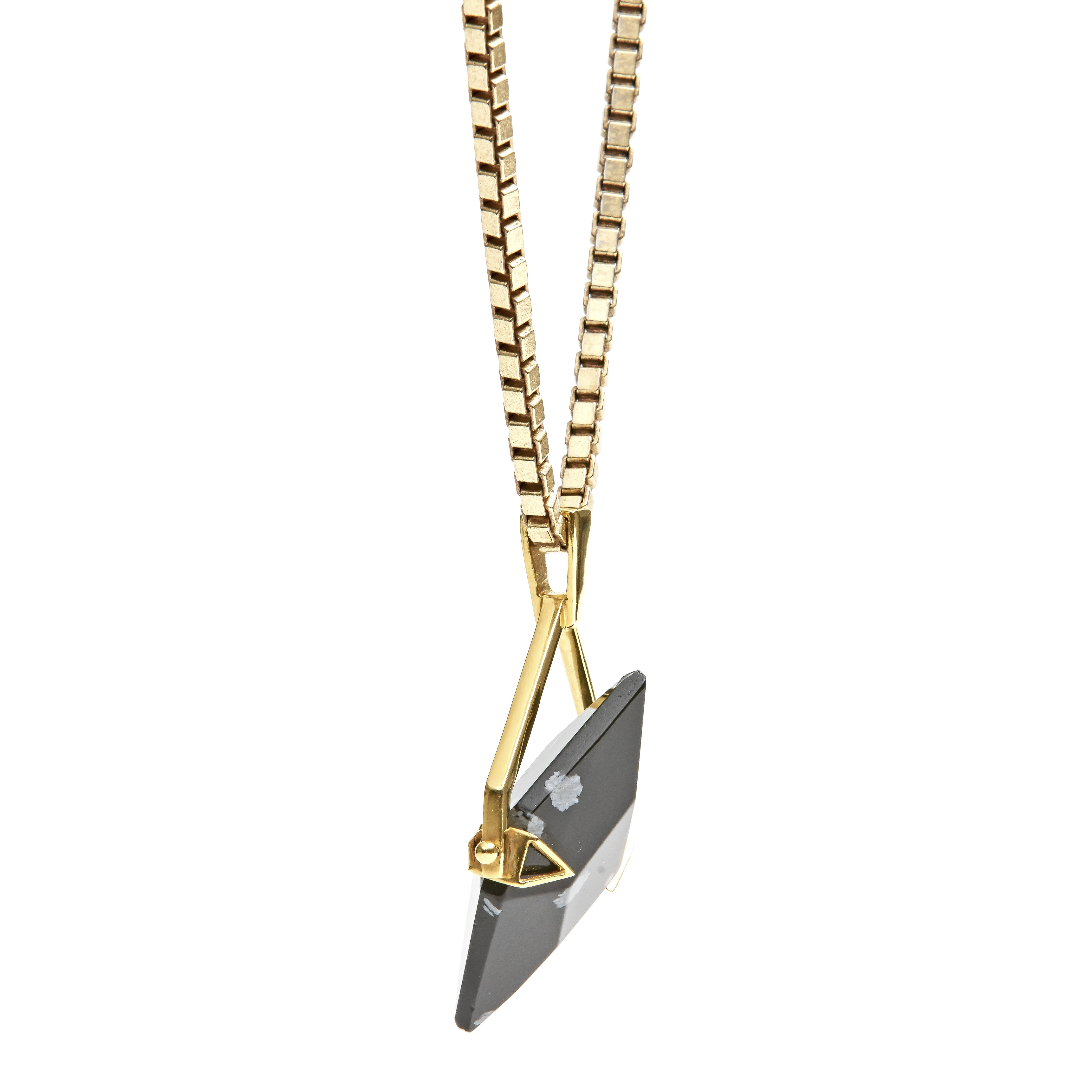 obsidian-gold-spinner-moving