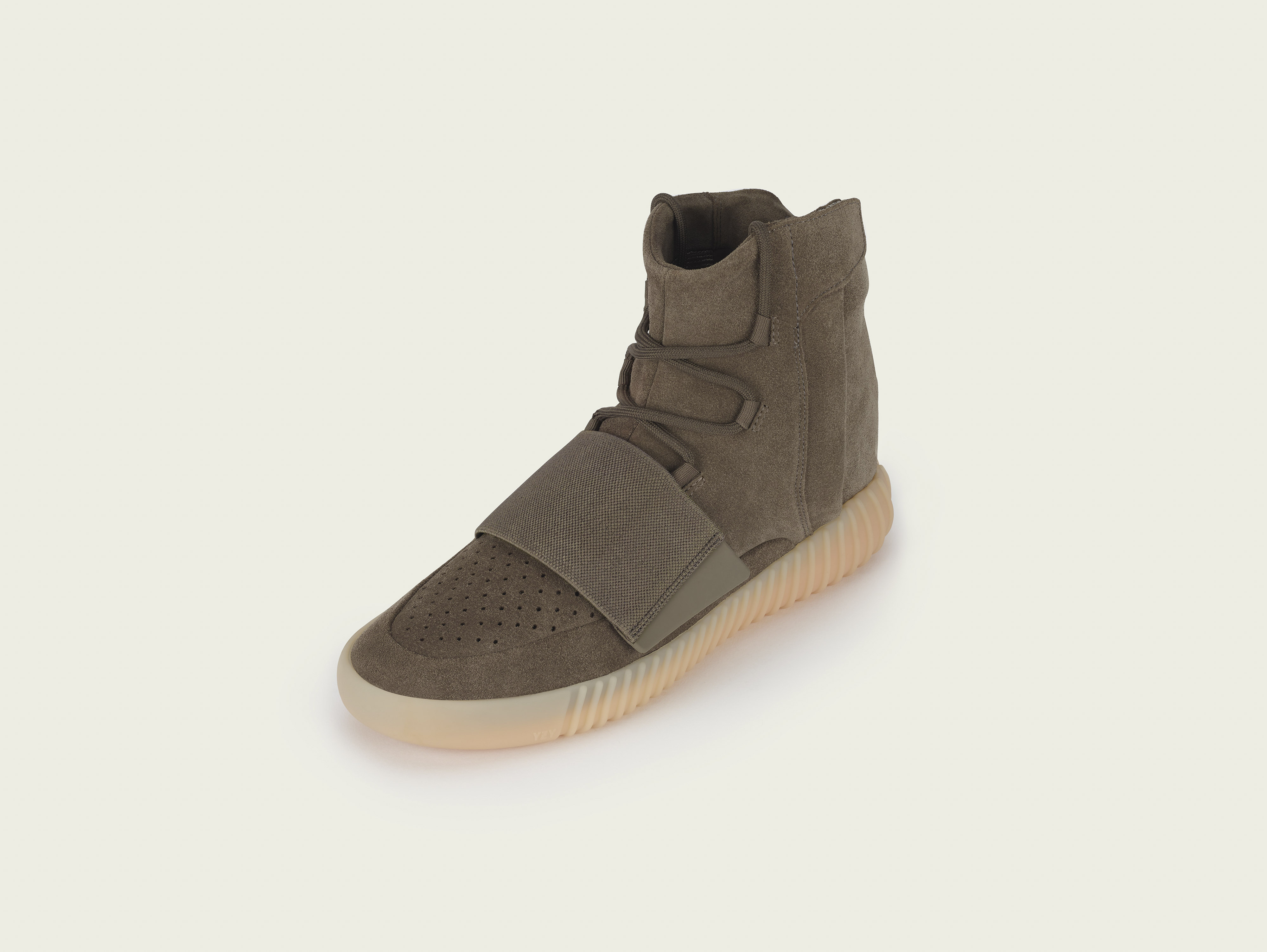 stills_yeezy750_brown_pr1