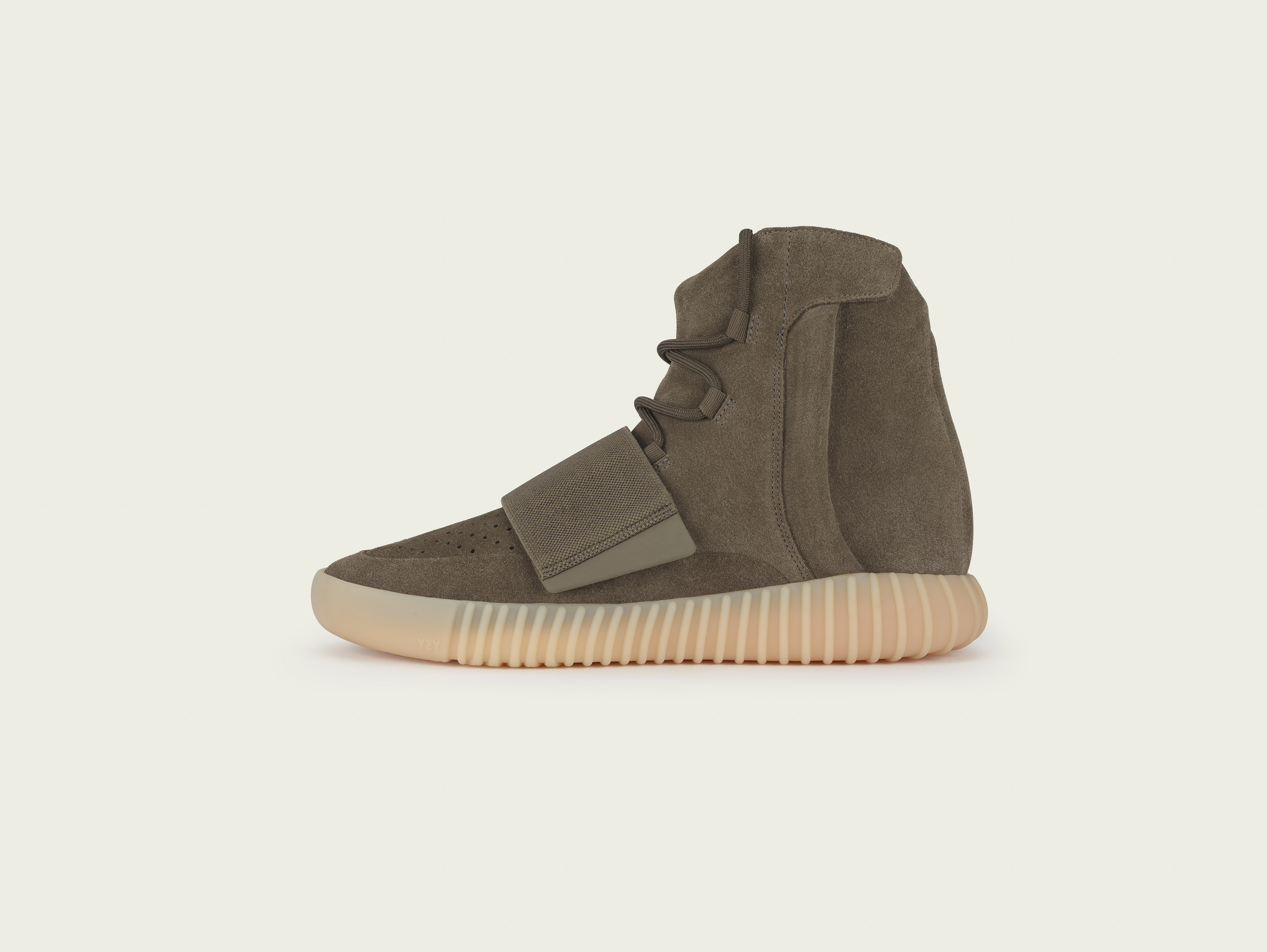 stills_yeezy750_brown_pr5