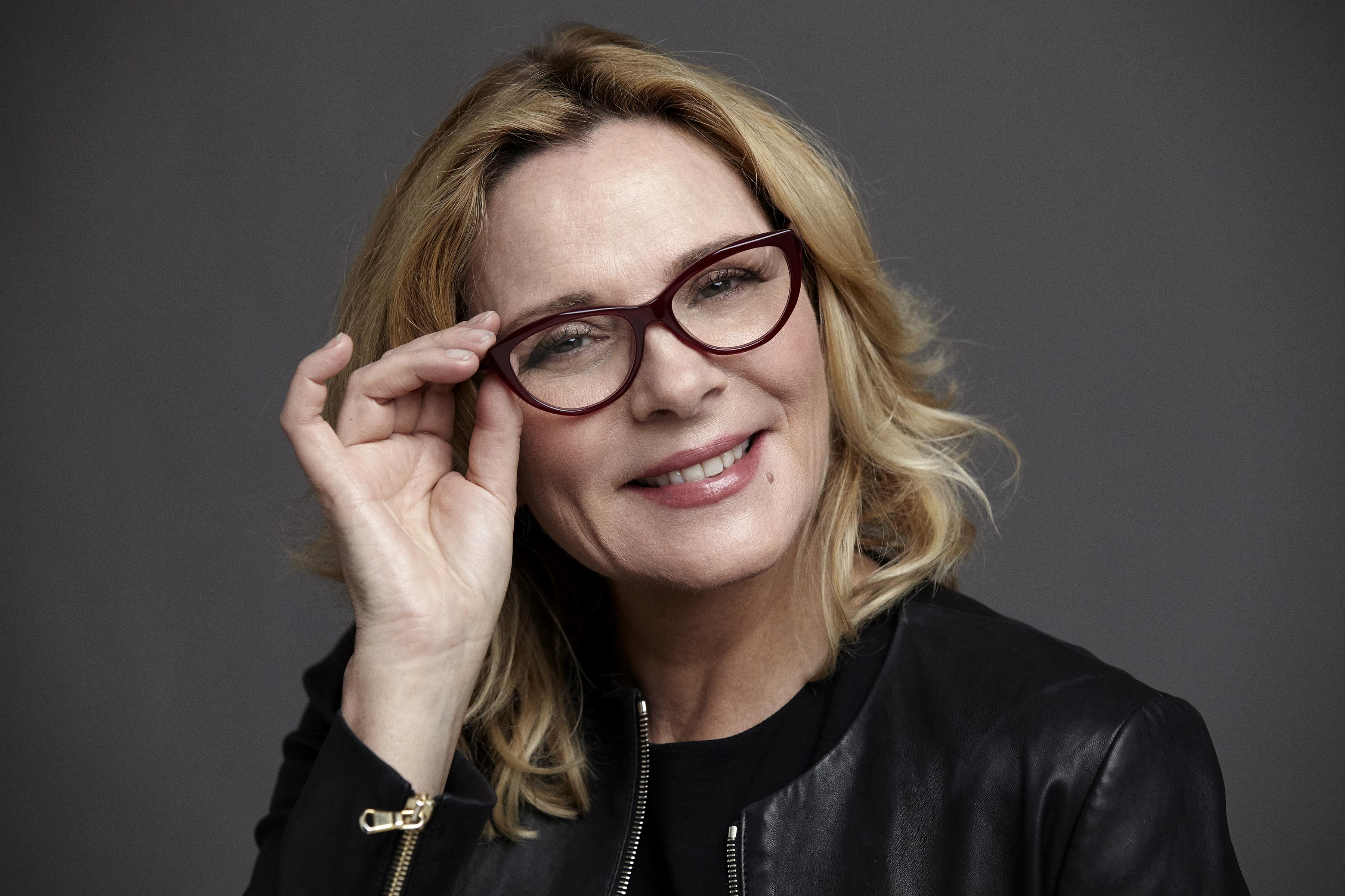 kim-cattrall-wears-karl-lagerfeld-25-25672244-2-pairs-from-459