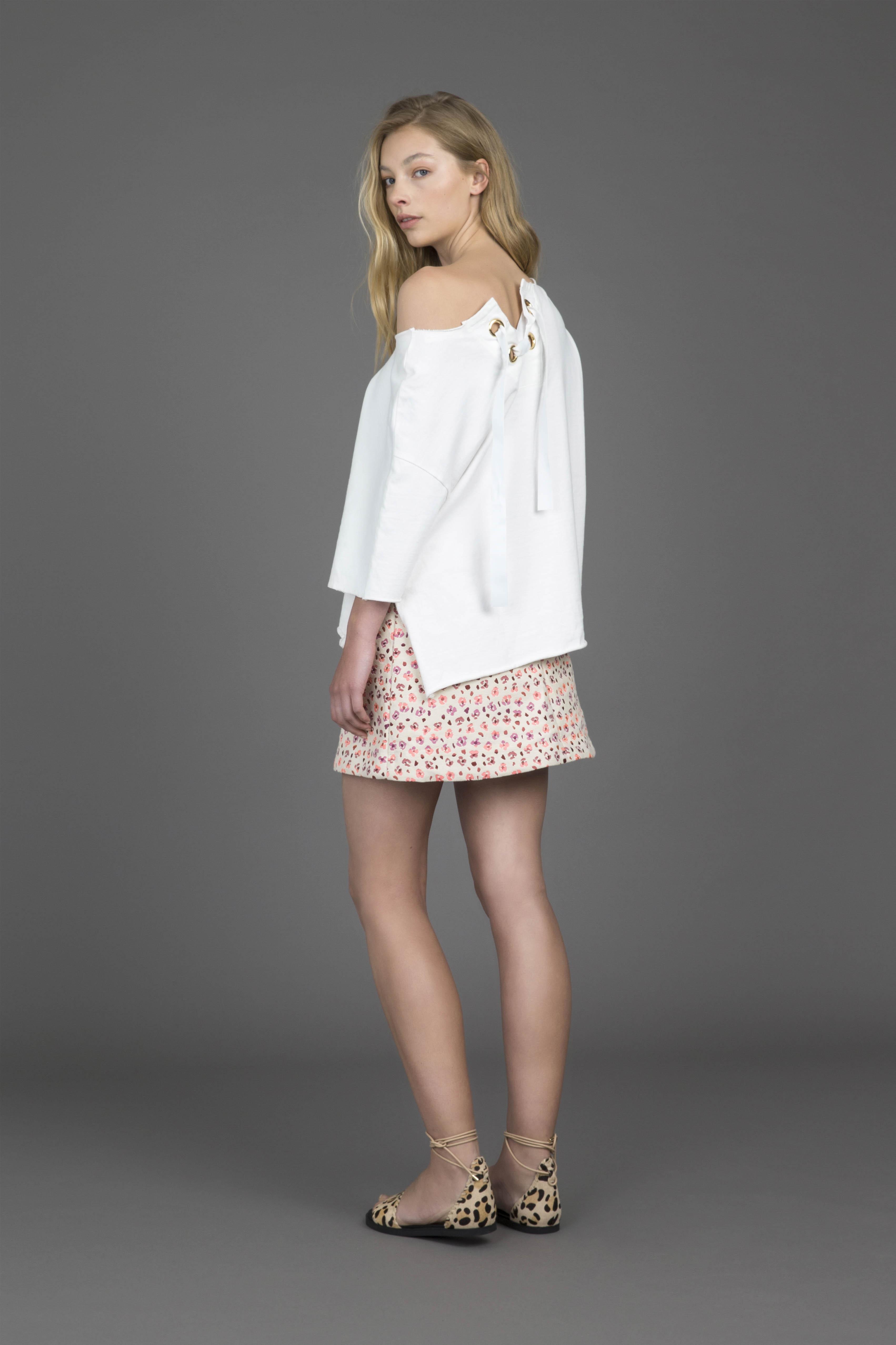 ruby-gogo-t-shirt-soleil-miniskirt_back