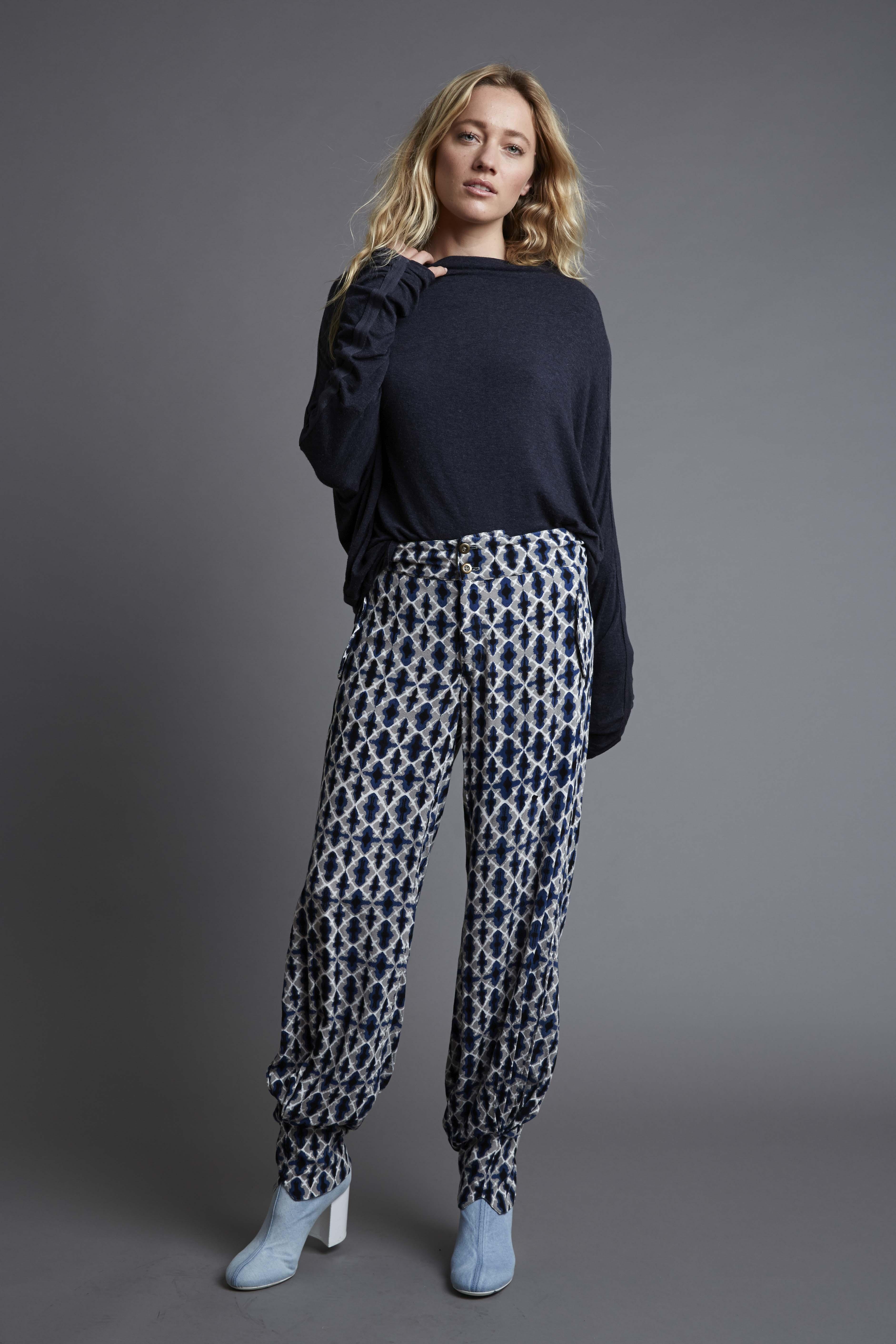 BindingSweater_GraphiteBlue-AnglepoisePant_Shibu Blue_WE-AR_AW17_RHYME-0083