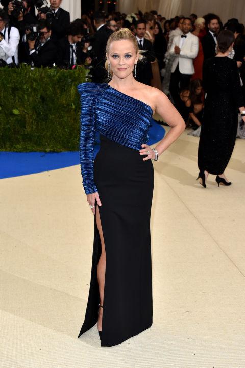 Reese Witherspoon wearing Mugler.