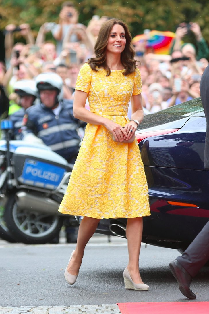 The Duchess of Cambridge stepped out in Germany wearing a beautiful yellow Jenny Packham dress.