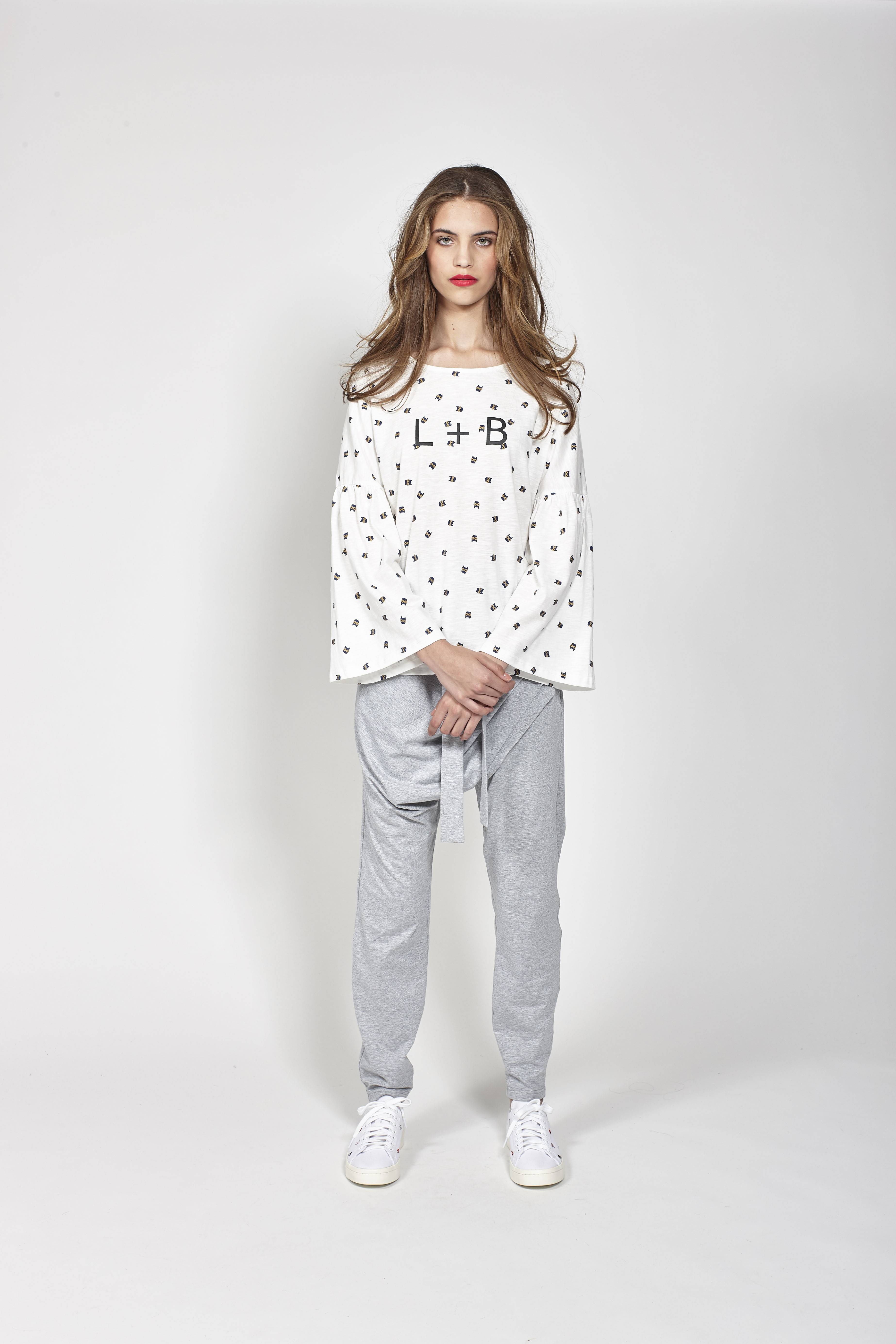LB1083 LEO+BE Discover Tee, RRP$125.00 and LB1095 LEO+BE Rome Pant, RRP$139.00