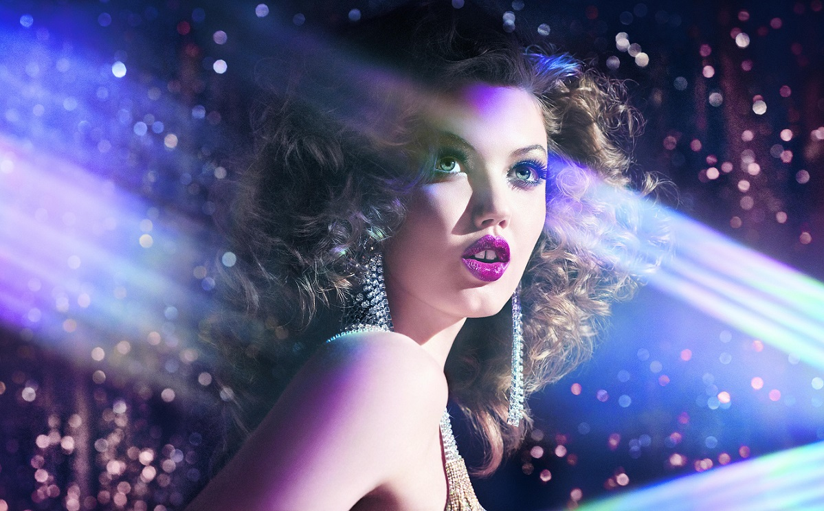 Model with glitter background