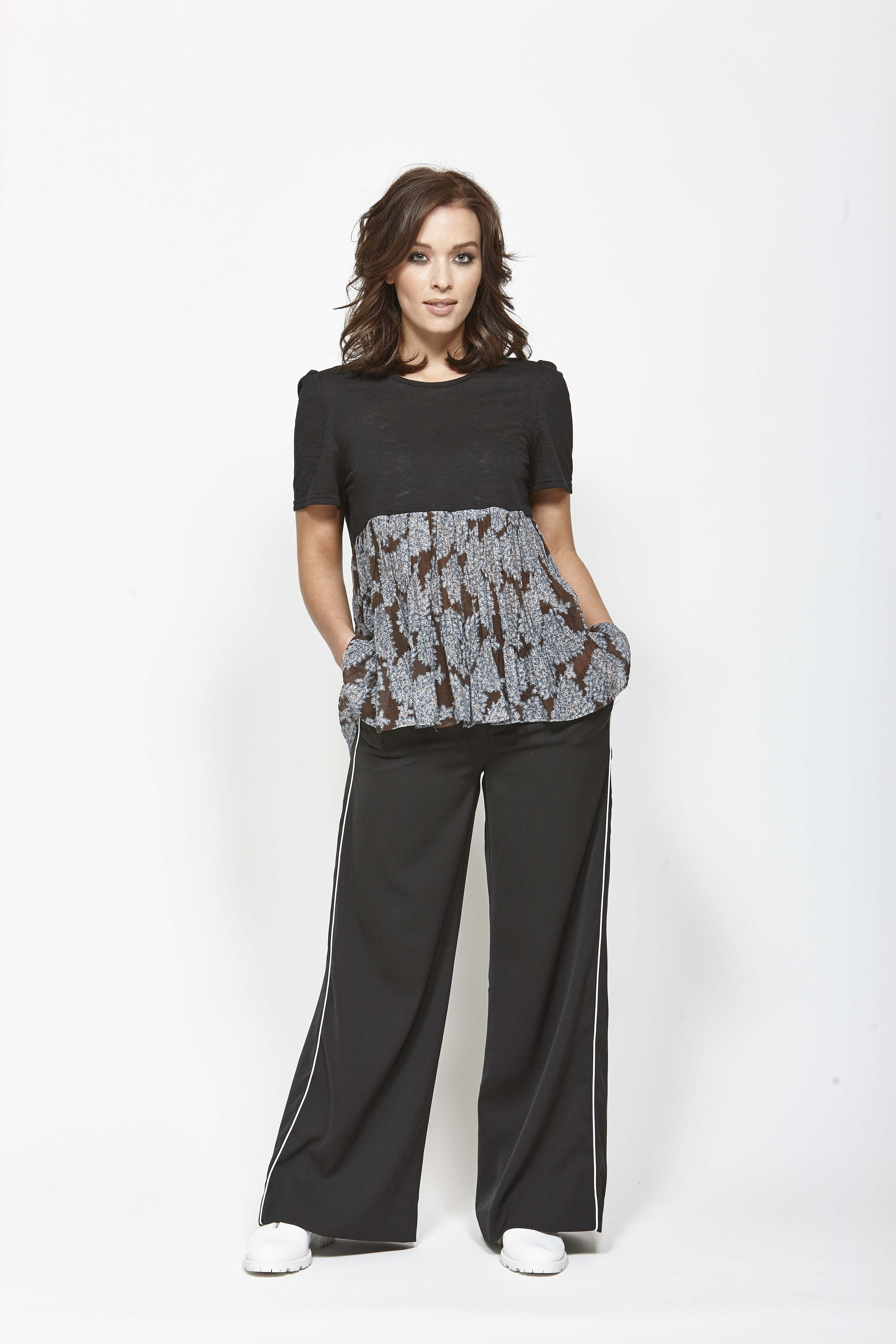 LEO+BE LB1364 Signal Top, RRP$115.00 & LEO+BE LB1373 Float Pant, RRP$159.00