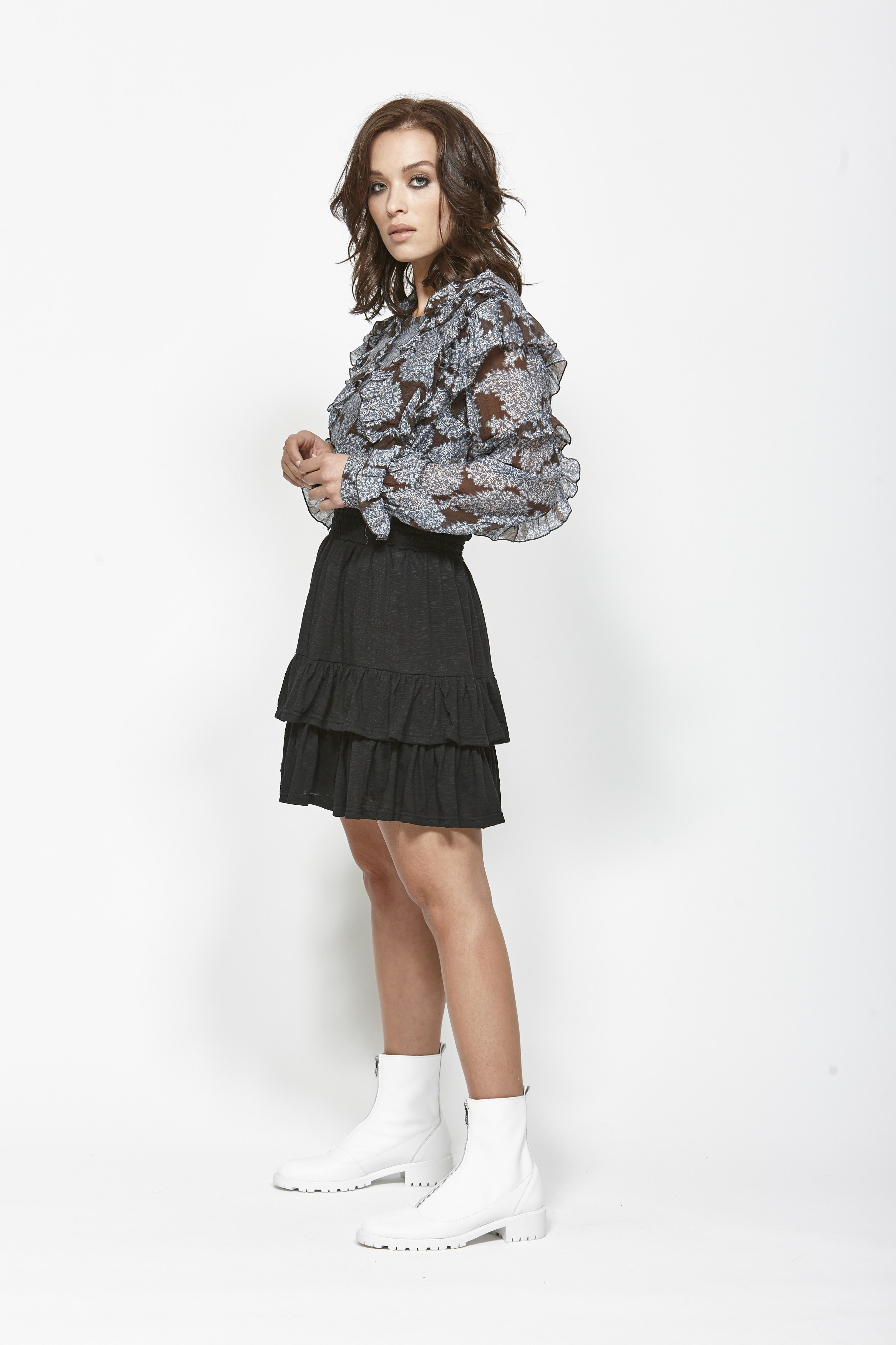 LEO+BE LB1368 Space Shirt, RRP$159.00 & LEO+BE LB1357 Sub Skirt, RRP$135.00 (1)