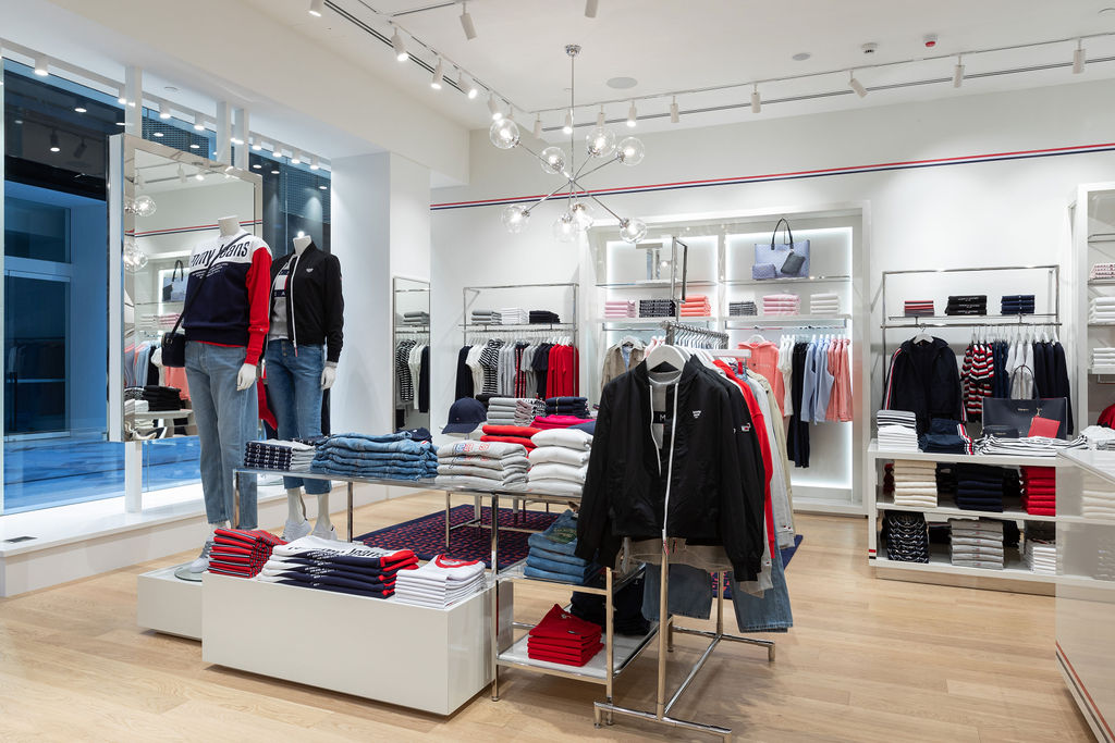 Tommy Hilfiger Commercial Bay 4 (1)