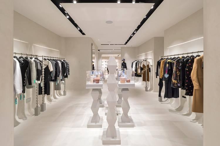 https___hypebeast.com_image_2020_09_off-white-virgil-abloh-london-store-details-04