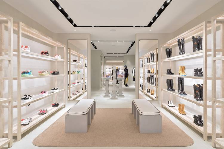 https___hypebeast.com_image_2020_09_off-white-virgil-abloh-london-store-details-06